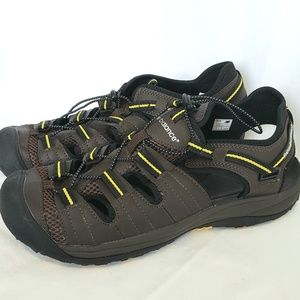 New Balance Appalachian closed toe sandals shoes